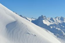 105 x 155 € 850.- ski or not to be
